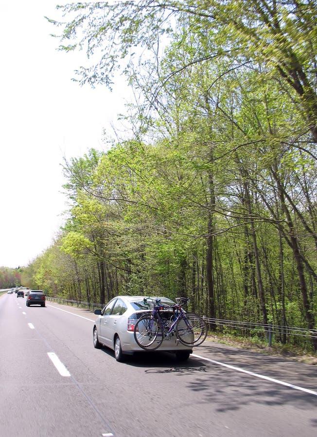 骑自行车汽车运载 图库摄影