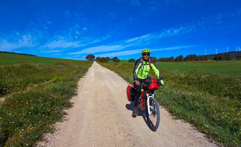 骑自行车的人卡米诺在自行车的de圣地亚哥 免版税库存照片