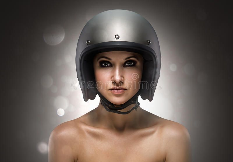 骑自行车的人女孩时尚 免版税库存图片