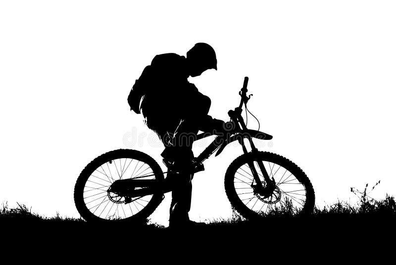 骑自行车的人山剪影 向量例证