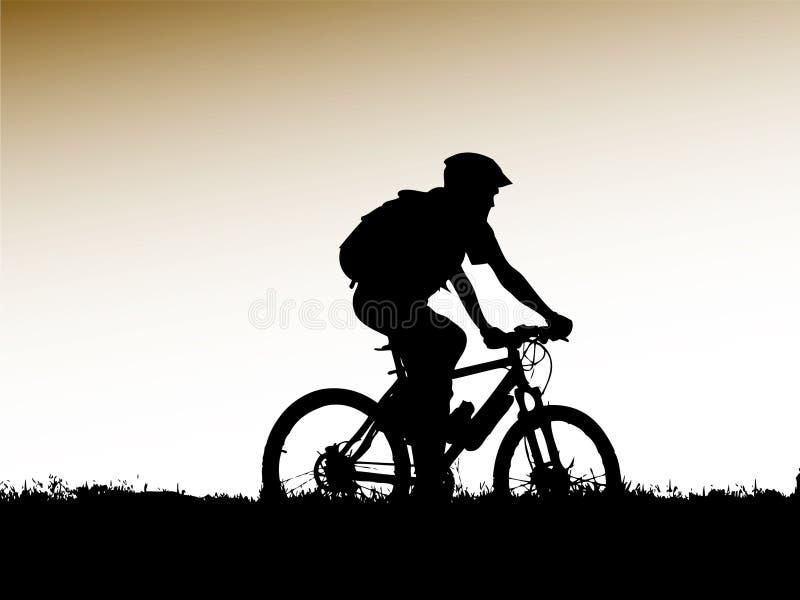 骑自行车的人山剪影 皇族释放例证