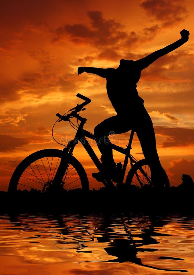 骑自行车的人山 皇族释放例证