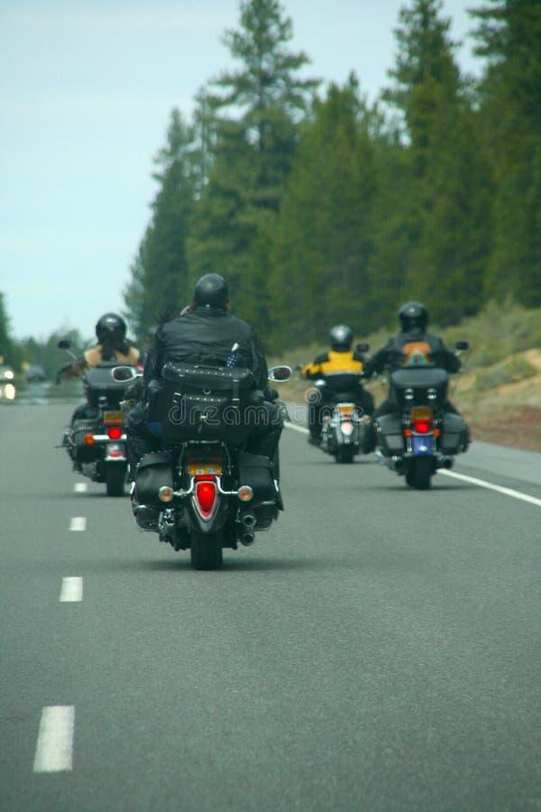 骑自行车的人皮革摩托车 免版税库存图片