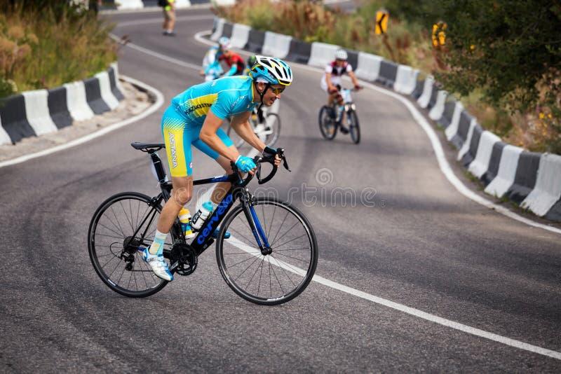 Download 骑自行车的艰难竞争 图库摄影片. 图片 包括有 体育运动, 重新创建, 竞争对手, 自行车骑士, 修改, 比基尼泳装 - 72357822