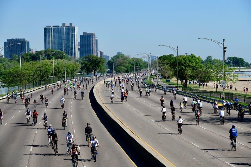 骑自行车看起来的驱动北部 免版税库存照片