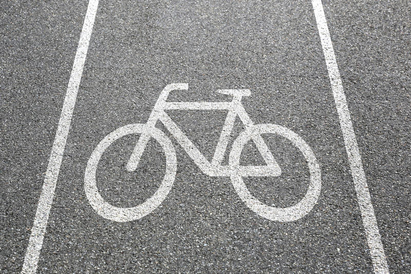 骑自行车车道道路方式周期自行车公路交通镇 库存照片