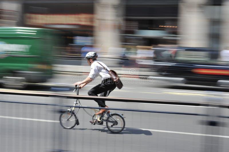 骑自行车brompton伦敦 免版税库存图片