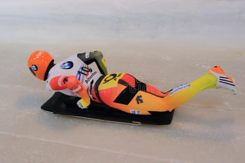 骨骼-花样滑冰外一周半跳Jungk 库存照片