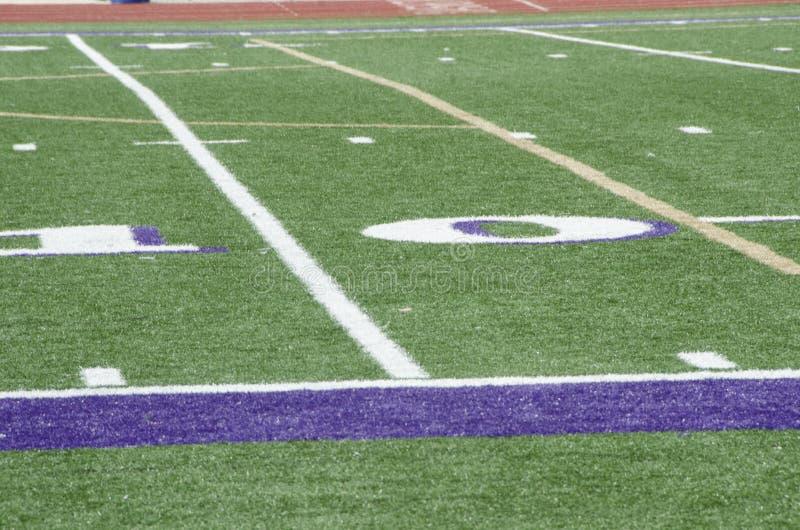 高中橄榄球场 免版税库存照片