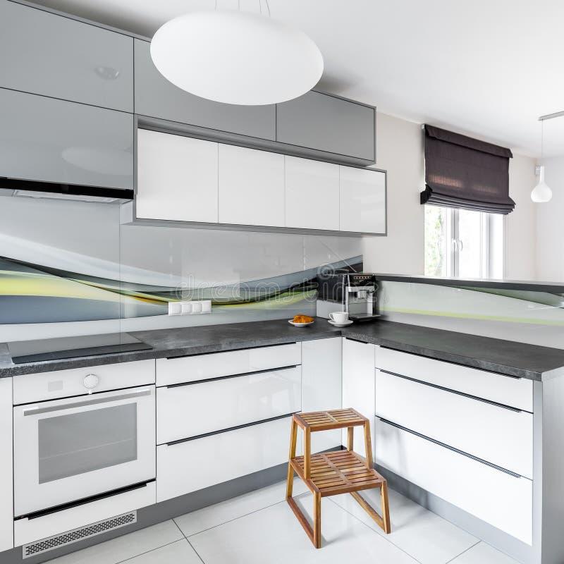 高光泽度的白色厨房 库存图片