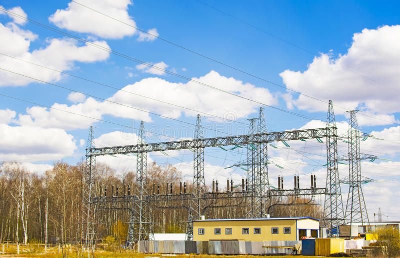 高压分站和附属建筑 库存照片