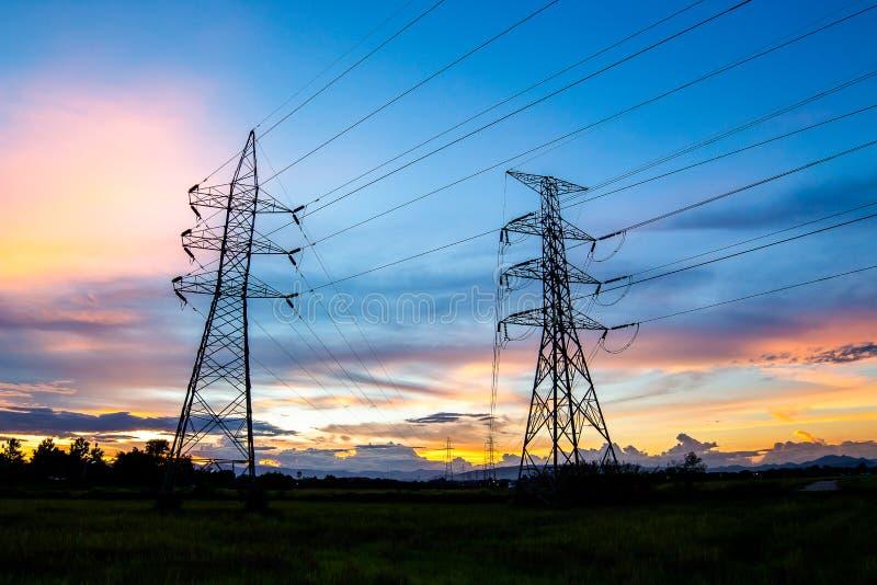 高压电子杆结构剪影  库存图片