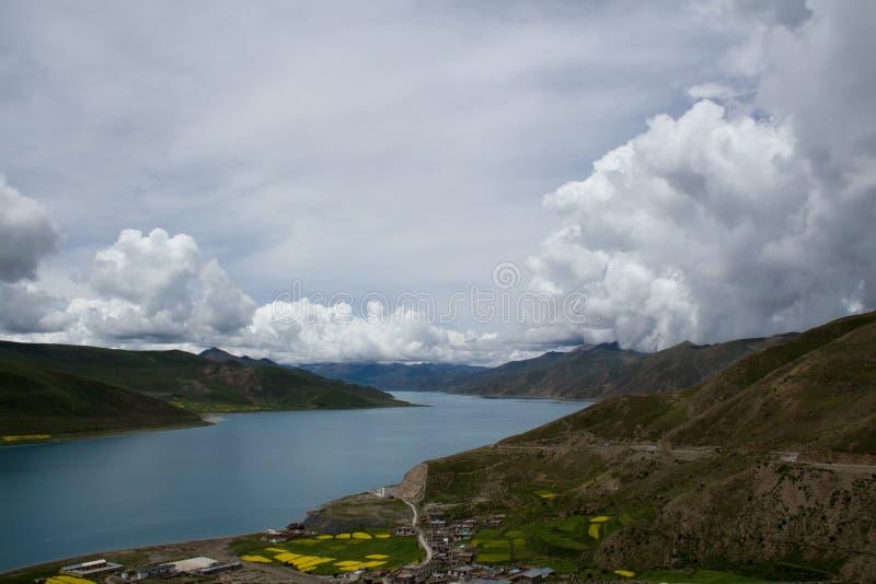 高原山湖 库存图片