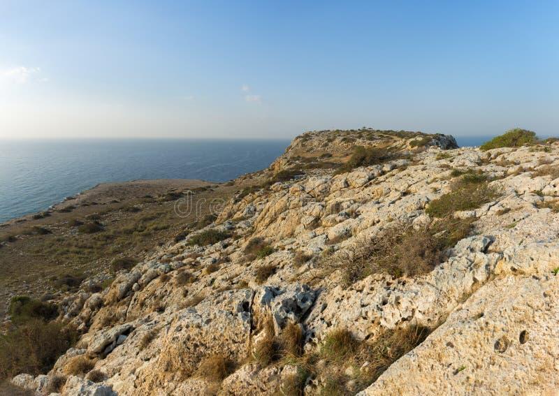 高原的看法在海角格雷科全国森林公园,普罗塔拉斯,塞浦路斯的 免版税库存照片