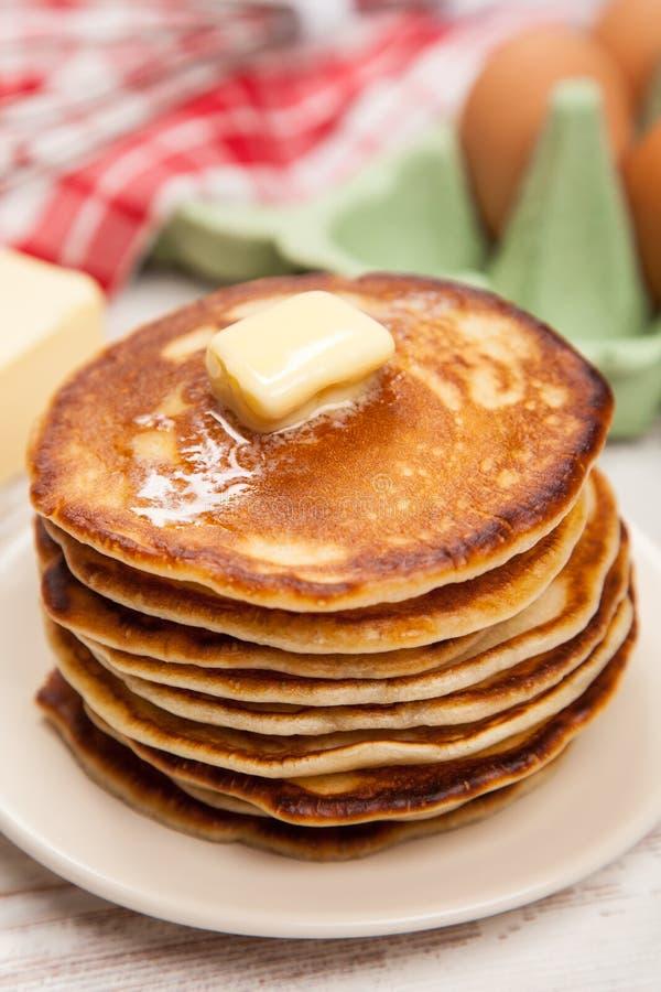Download 高堆可口薄煎饼 库存照片. 图片 包括有 泄漏, 自创, 食谱, 牛奶, 蓝莓, 鸡蛋, 面粉, 饮食, 黄油 - 62535894