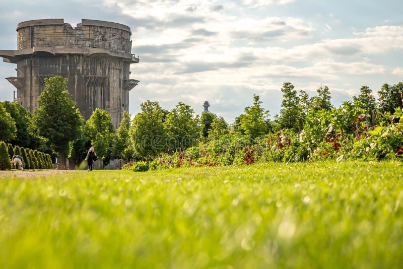 高射炮塔在维也纳Ausgarten公园 免版税库存图片