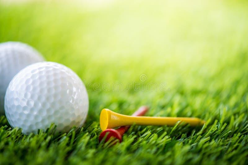 高尔夫球和发球区域 库存图片