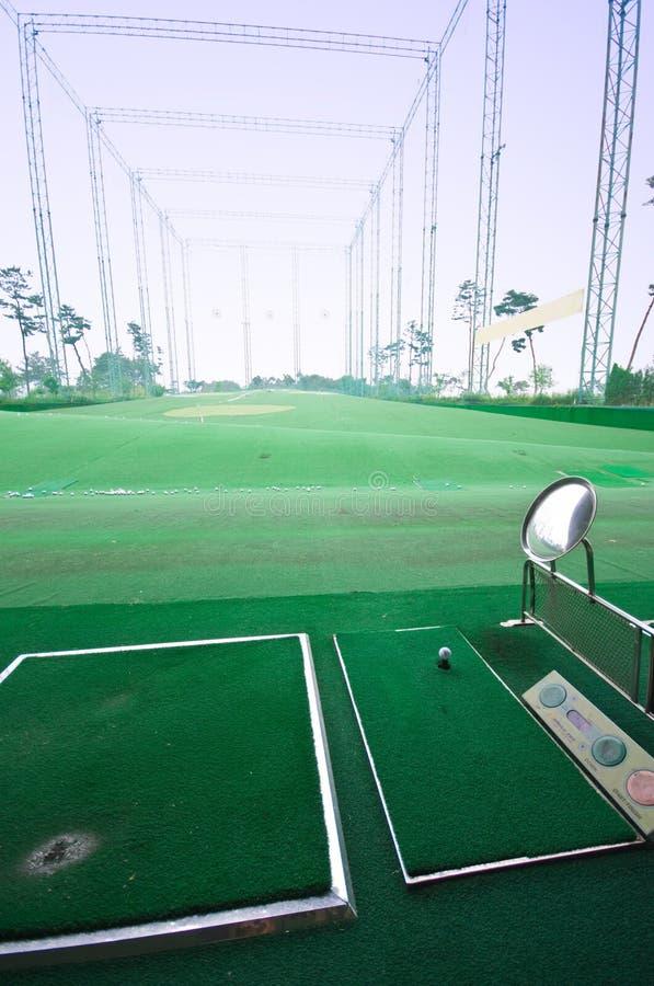 高尔夫球实践射击 免版税图库摄影