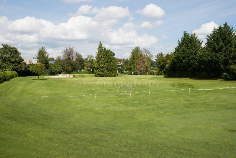 高尔夫球绿色放置 库存照片