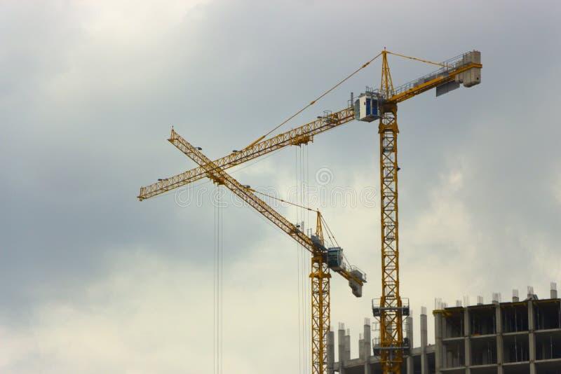 高层建筑物塔吊的建筑 免版税库存图片