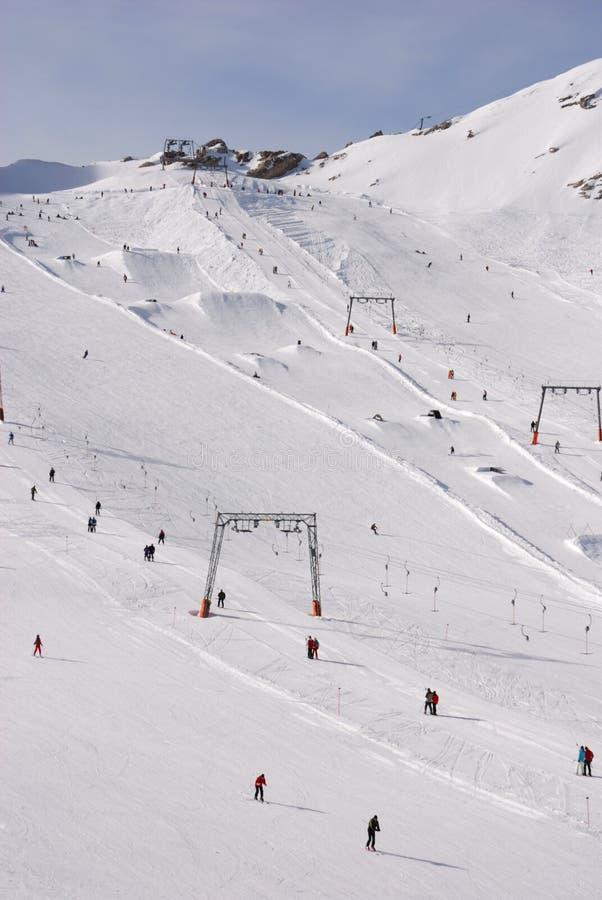 高山区阻力增强滑雪 免版税图库摄影