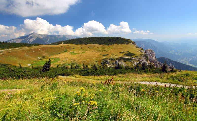高山山峰raxalpe视图 库存照片