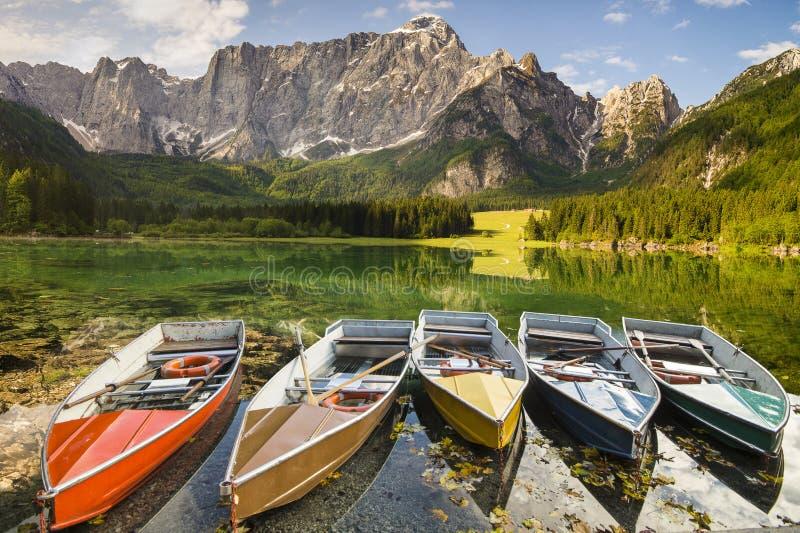 高山山湖在朱利安阿尔卑斯山 免版税库存图片