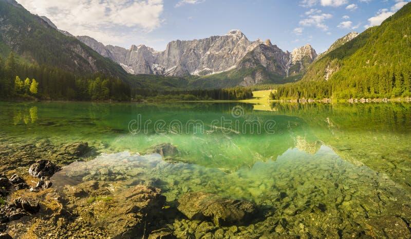 高山山湖在朱利安阿尔卑斯山 库存照片