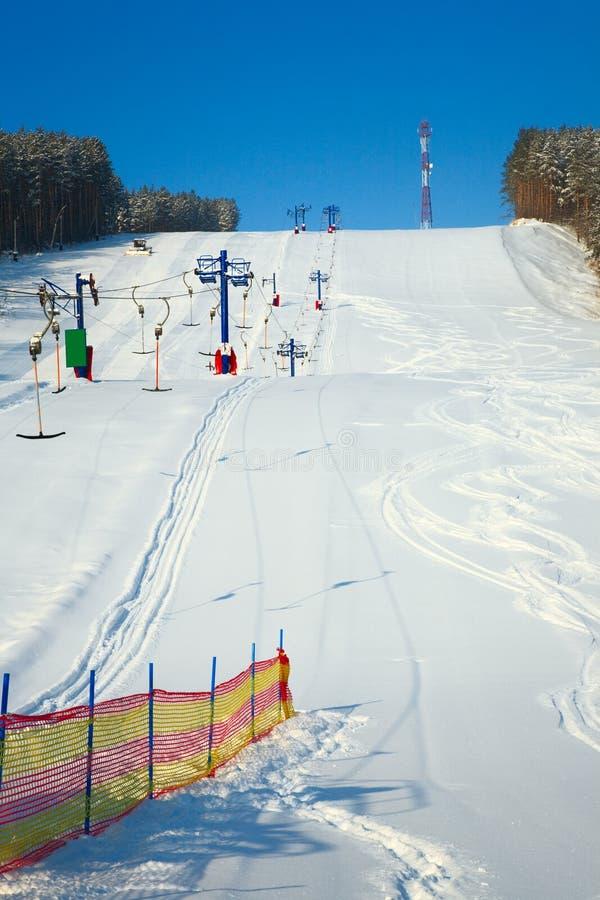 高山手段滑雪 免版税库存图片