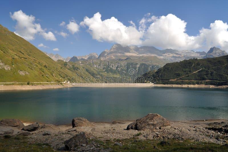 高山水力发电的水池 免版税图库摄影