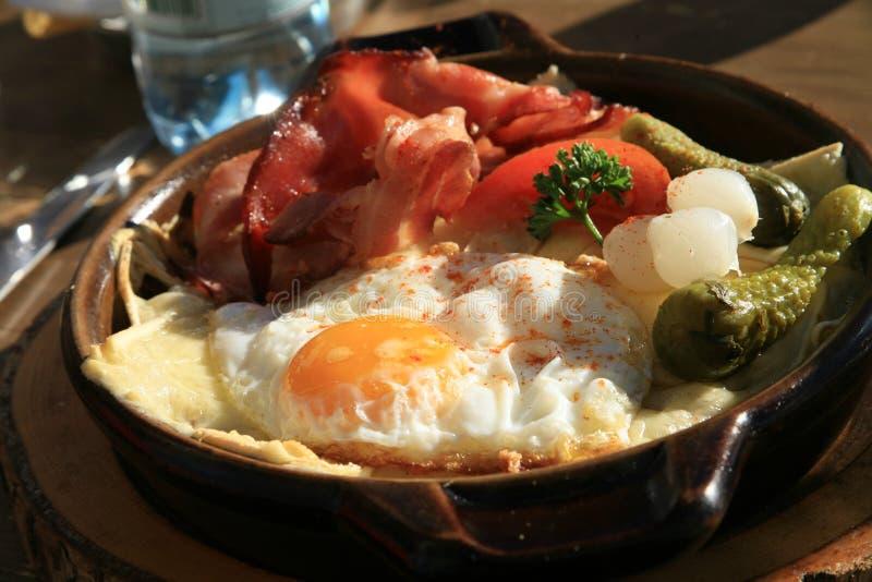 高山croute盘kaseschnitte午餐 库存图片