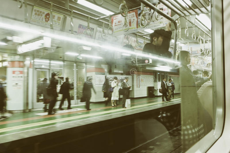 高峰时间在东京 库存照片