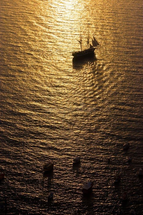 高帆船的日落 免版税库存图片