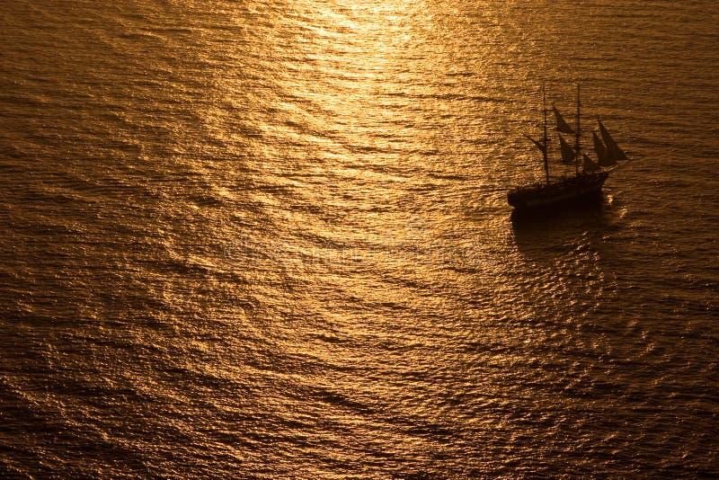 高帆船的日落 图库摄影