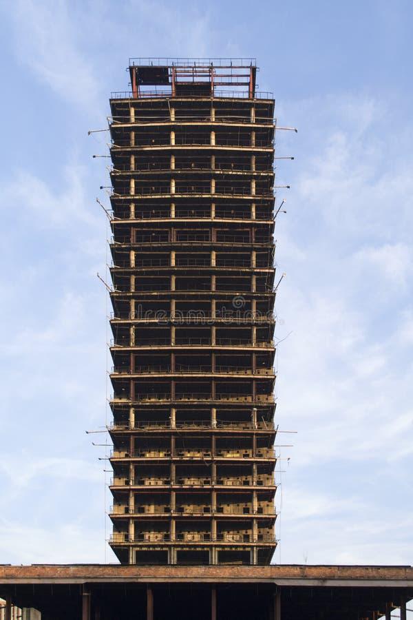 高未完成的大厦 免版税库存照片