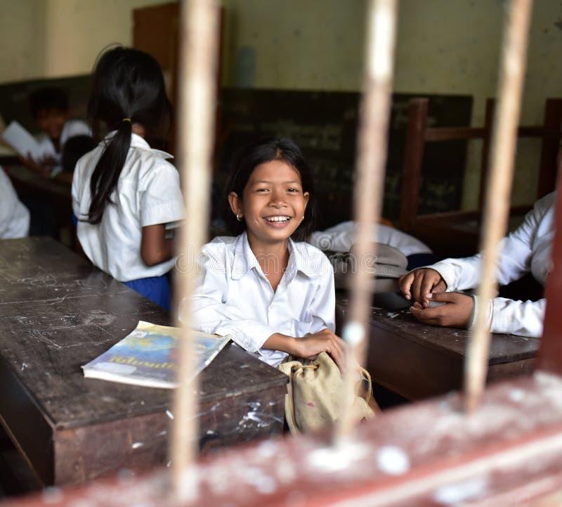 从高棉村庄的女孩 免版税库存图片