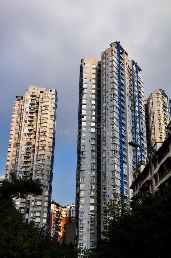 高楼在阳光下 免版税库存图片