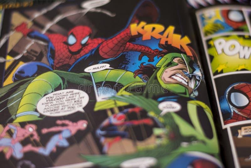 高空作业的建筑工人奇迹漫画超级英雄 免版税库存照片