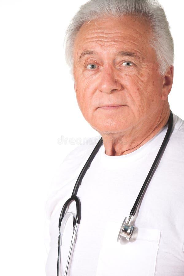 高级男性医生 免版税库存照片