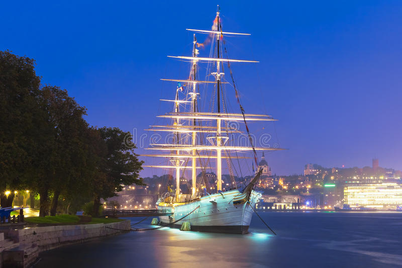 高船' AF沿街叫卖者'在斯德哥尔摩,瑞典 库存图片