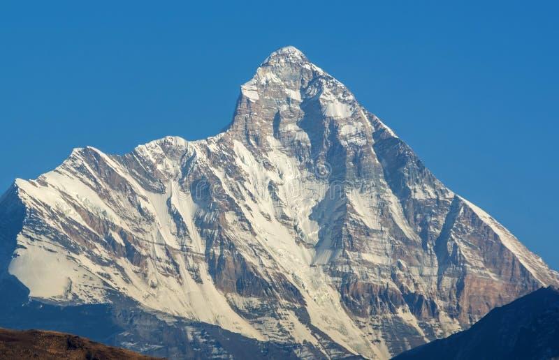 高被雪复盖的峰顶 库存照片