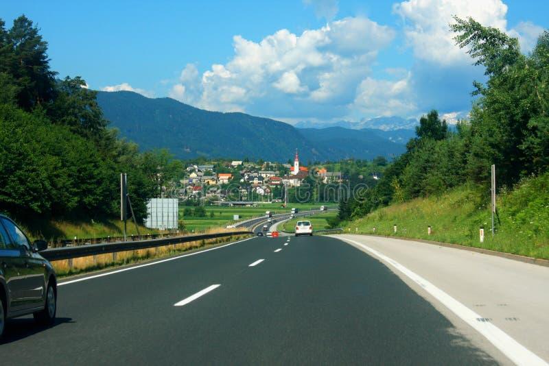 高速公路在斯洛文尼亚亚平宁山脉 免版税库存图片