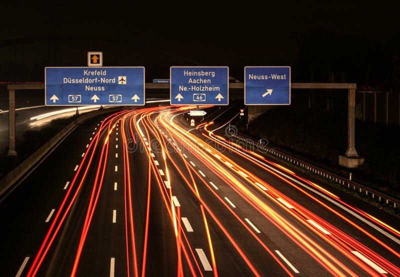 高速公路在晚上 库存图片