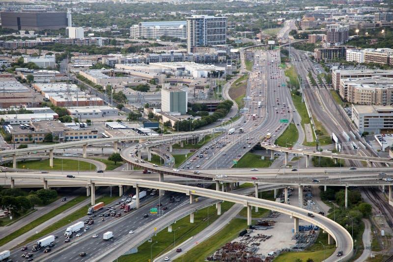 高速公路在达拉斯, Tx,美国 免版税库存图片