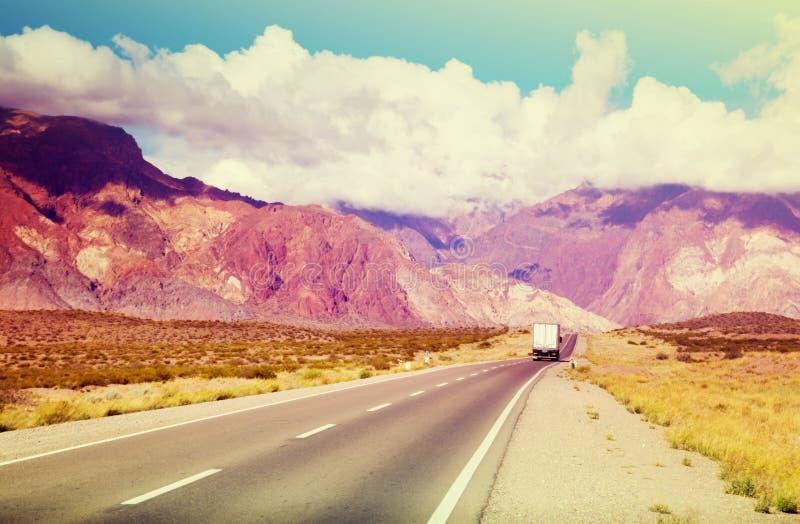 rn体艺术_从高速公路对安地斯山的rn 7的看法