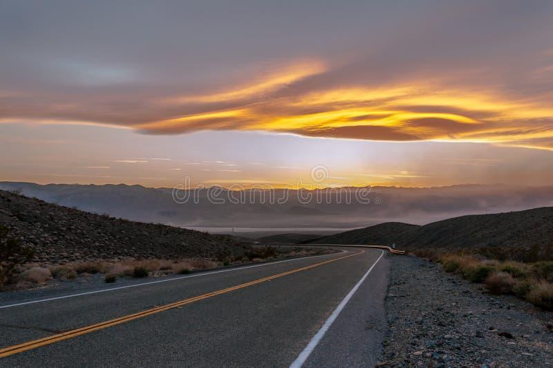 高速公路日落顶视图 库存图片