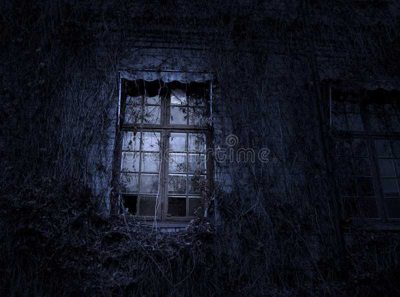 鬼的窗口 免版税图库摄影
