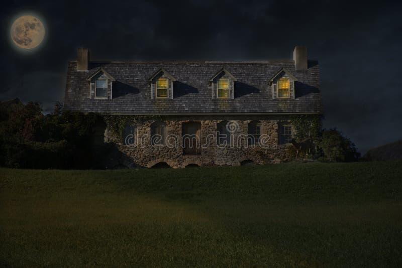 鬼被困扰的房子 免版税库存图片