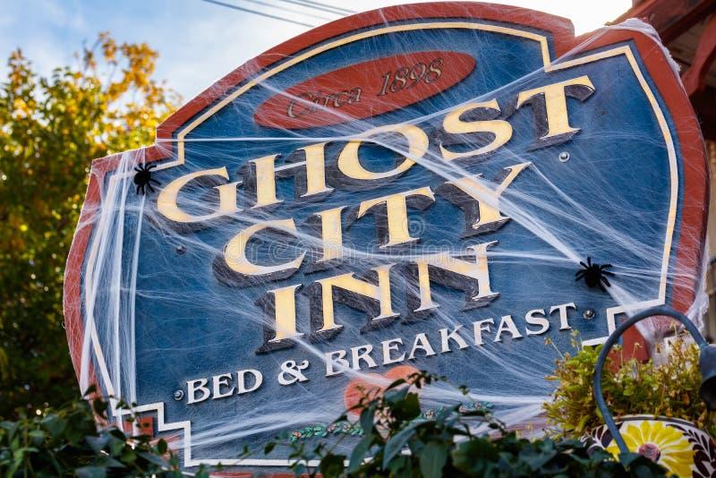 鬼魂城市旅馆 图库摄影