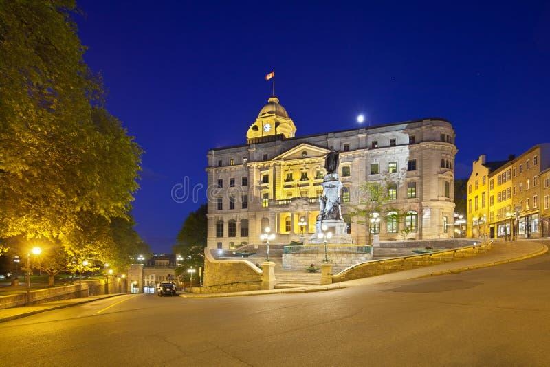 魁北克市老镇在晚上,加拿大,社论 免版税库存照片